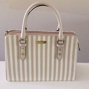 Kate spade tan and cream spring purse!!